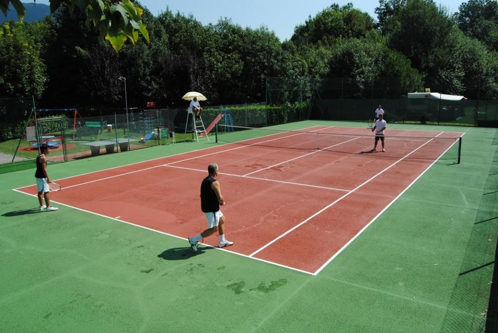 attività camping tennis